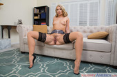 Anikka Albrite - Dirty Wives Club (solo)